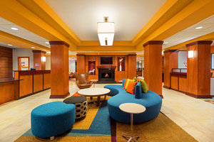 Lobby - Fairfield Inn by Marriott Downtown Louisville