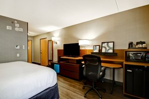 Room - Fairfield Inn & Suites by Marriott Guelph