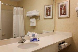 Room - Fairfield Inn by Marriott Warren