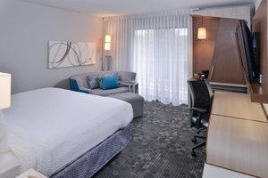 Room - Courtyard by Marriott Hotel Suwanee