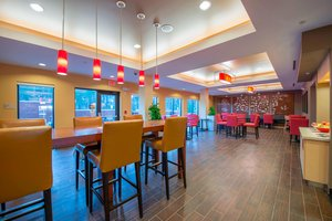Restaurant - TownePlace Suites by Marriott Newnan