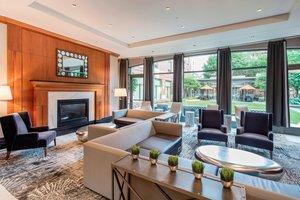 Lobby - Courtyard by Marriott Hotel Brookline