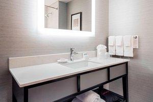 Room - Courtyard by Marriott Hotel Brookline