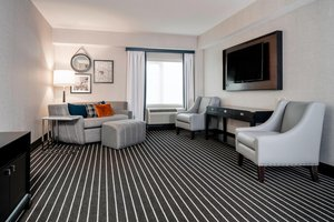 Suite - Courtyard by Marriott Hotel Brookline