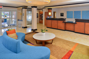 Lobby - Fairfield Inn & Suites by Marriott Kingsland