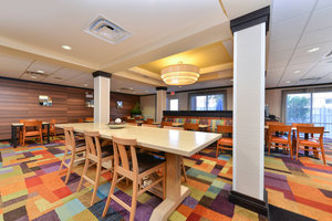 Restaurant - Fairfield Inn & Suites by Marriott Kingsland