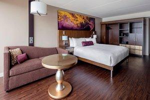 Room - Marriott Hotel Baton Rouge