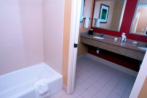 Suite - Courtyard by Marriott Hotel Middlebury