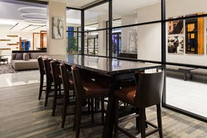 Restaurant - Marriott Hotel Baton Rouge