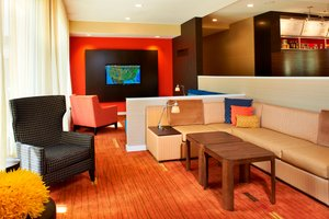 Lobby - Courtyard by Marriott Hotel Lincolnshire