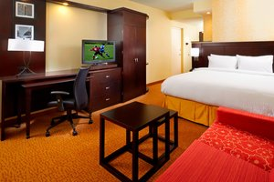 Room - Courtyard by Marriott Hotel University Circle Cleveland