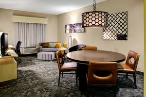 Suite - Courtyard by Marriott Hotel Downtown Columbus