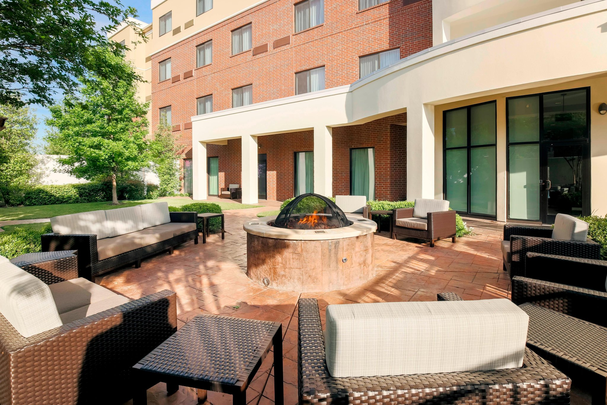 Courtyard by Marriott Dallas Arlington South