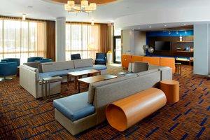 Lobby - Courtyard by Marriott Hotel University Dayton