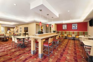 Restaurant - TownePlace Suites by Marriott Airport Fitzsimons Denver