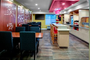 Restaurant - TownePlace Suites by Marriott Fresno