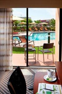 Room - Courtyard by Marriott Hotel Northeast Fort Lauderdale