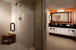 Suite - Courtyard by Marriott Hotel Northeast Fort Lauderdale