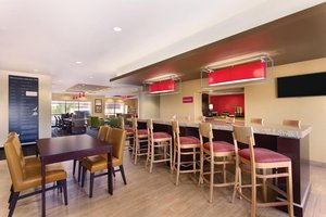 Restaurant - TownePlace Suites by Marriott Mechanicsburg