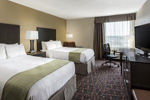 Room - Holiday Inn Wichita