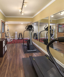 Fitness/ Exercise Room - Peacock Suites Anaheim