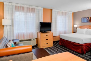 Suite - TownePlace Suites by Marriott Wichita