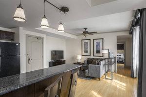 Suite - Hotel Blackhawk Davenport