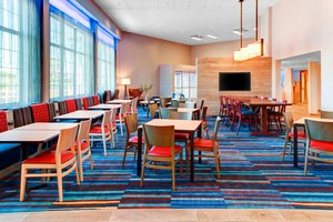Restaurant - Fairfield Inn & Suites by Marriott Cape Cod Hyannis