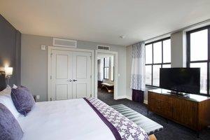 Suite - Ambassador Hotel Wichita