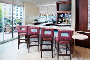 Restaurant - SpringHill Suites by Marriott Carle Place