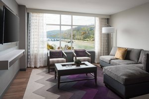 Suite - Morgantown Marriott at Waterfront Place Hotel