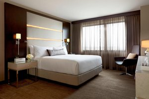 Suite - JW Marriott Hotel Mall of America Minneapolis