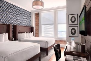 Room - Q & C Hotel New Orleans