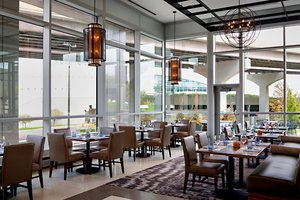 Restaurant - Marriott Hotel Capitol District Downtown Omaha