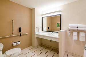 - Fairfield Inn & Suites by Marriott Panama City Beach