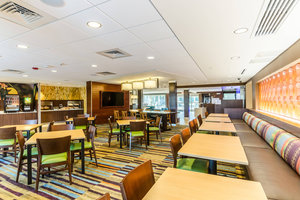 Restaurant - Fairfield Inn & Suites by Marriott Panama City Beach