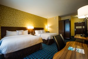 Room - Fairfield Inn & Suites by Marriott Cambridge