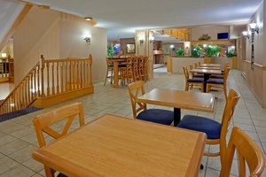Restaurant - Holiday Inn Express East Scarborough