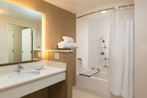 Room - Fairfield Inn & Suites by Marriott Folsom