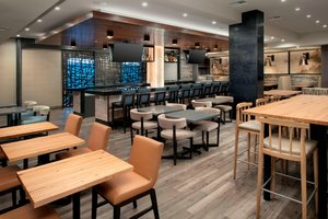 Restaurant - Delta Hotel by Marriott Everett