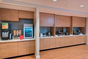 Restaurant - TownePlace Suites by Marriott Lakeland