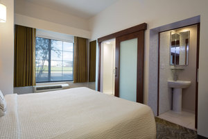 - SpringHill Suites by Marriott Quakertown