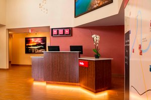 Lobby - TownePlace Suites by Marriott Red Deer