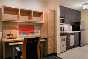 Suite - TownePlace Suites by Marriott Kanata