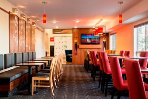 Restaurant - TownePlace Suites by Marriott Red Deer