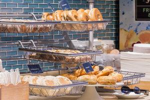Restaurant - SpringHill Suites by Marriott Quakertown
