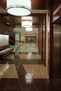 Lobby - Delta Hotel by Marriott Airport Calgary