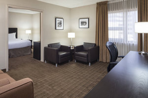 Suite - Delta Hotel by Marriott Airport Calgary