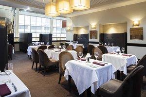Restaurant - Delta Hotel by Marriott Airport Calgary