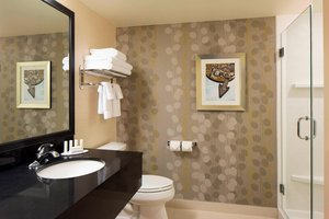 Room - Fairfield Inn & Suites by Marriott Downtown Calgary